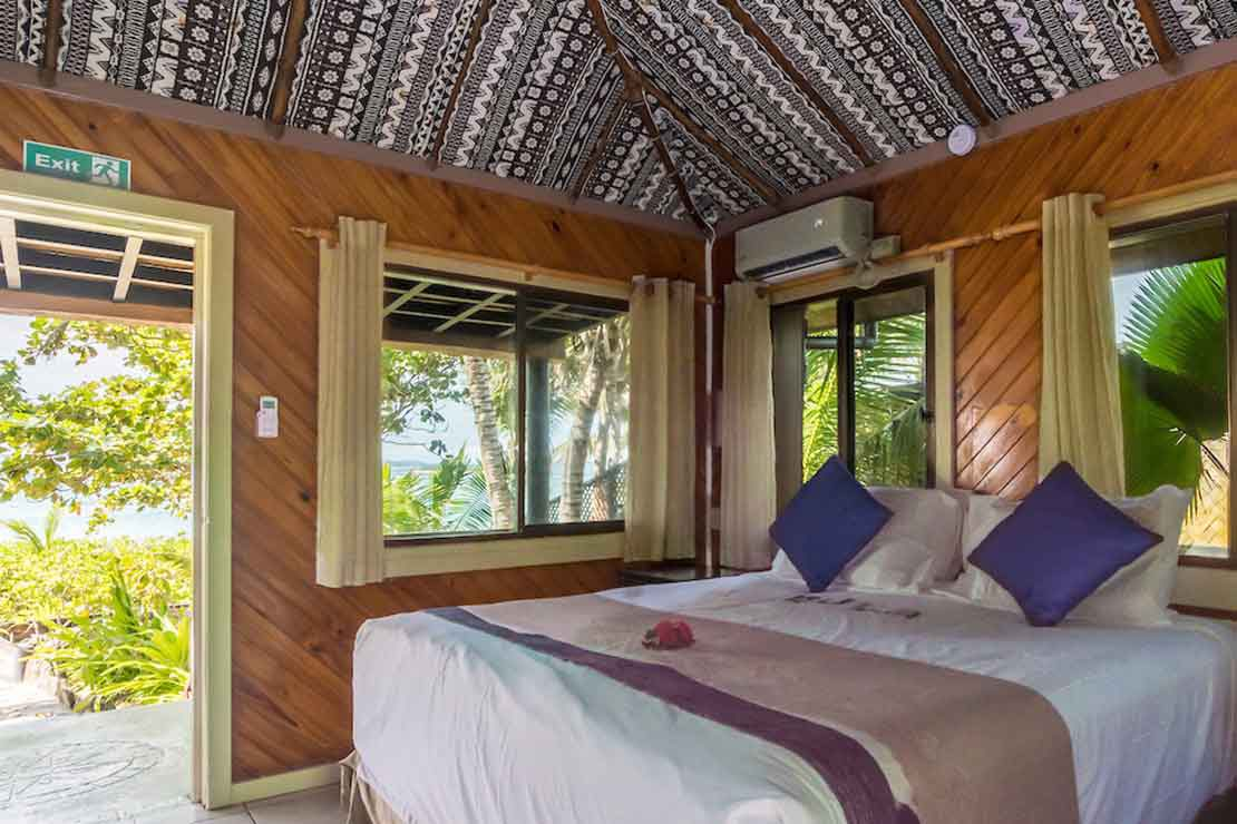 Beach-Bure-Namotu-Island-accommodation-bedroom-entrance