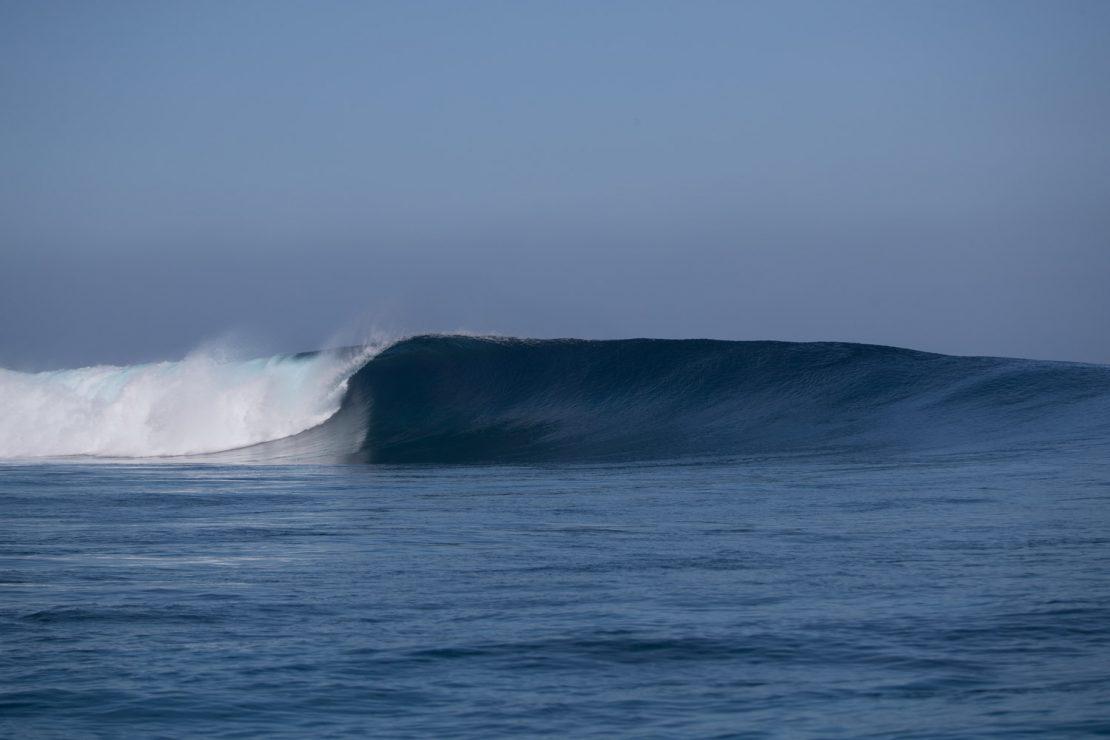 namotu lefts glassy surf