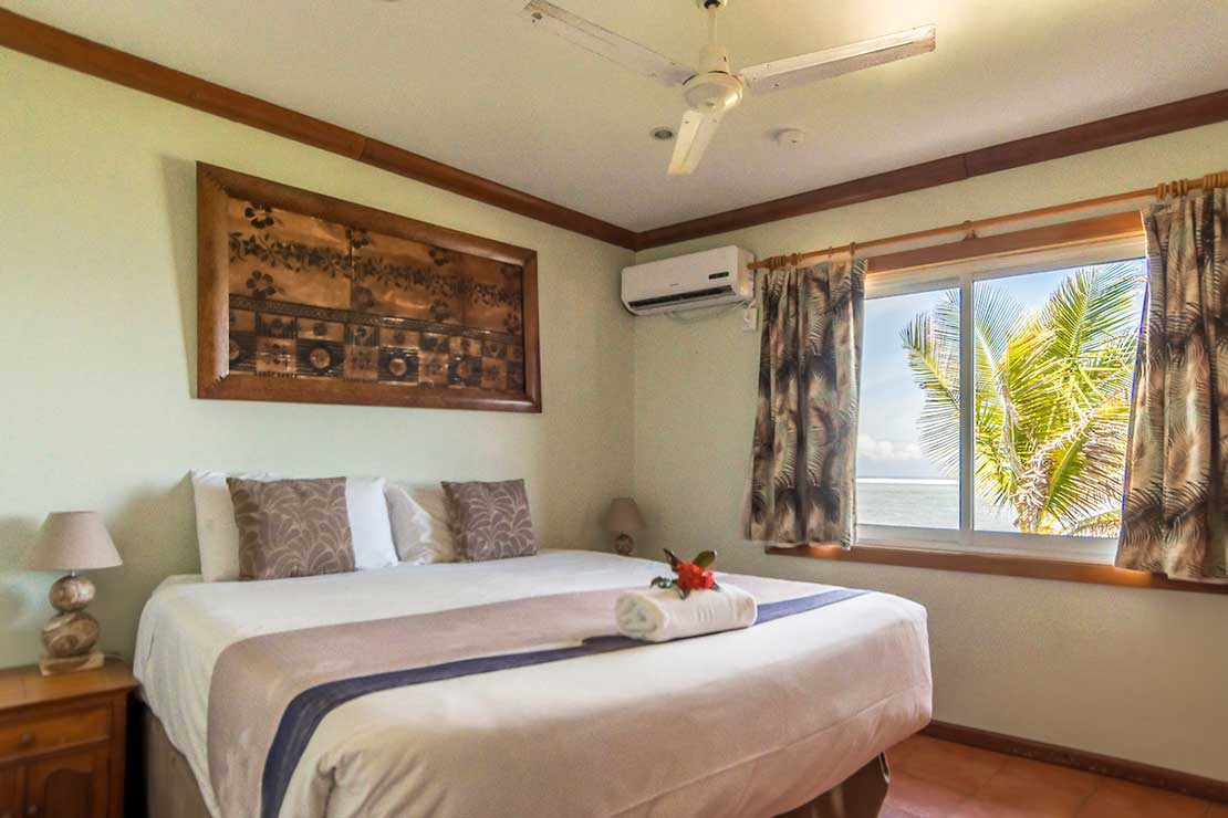 Villa-Blue-Room-Namotu-Island-accommodation