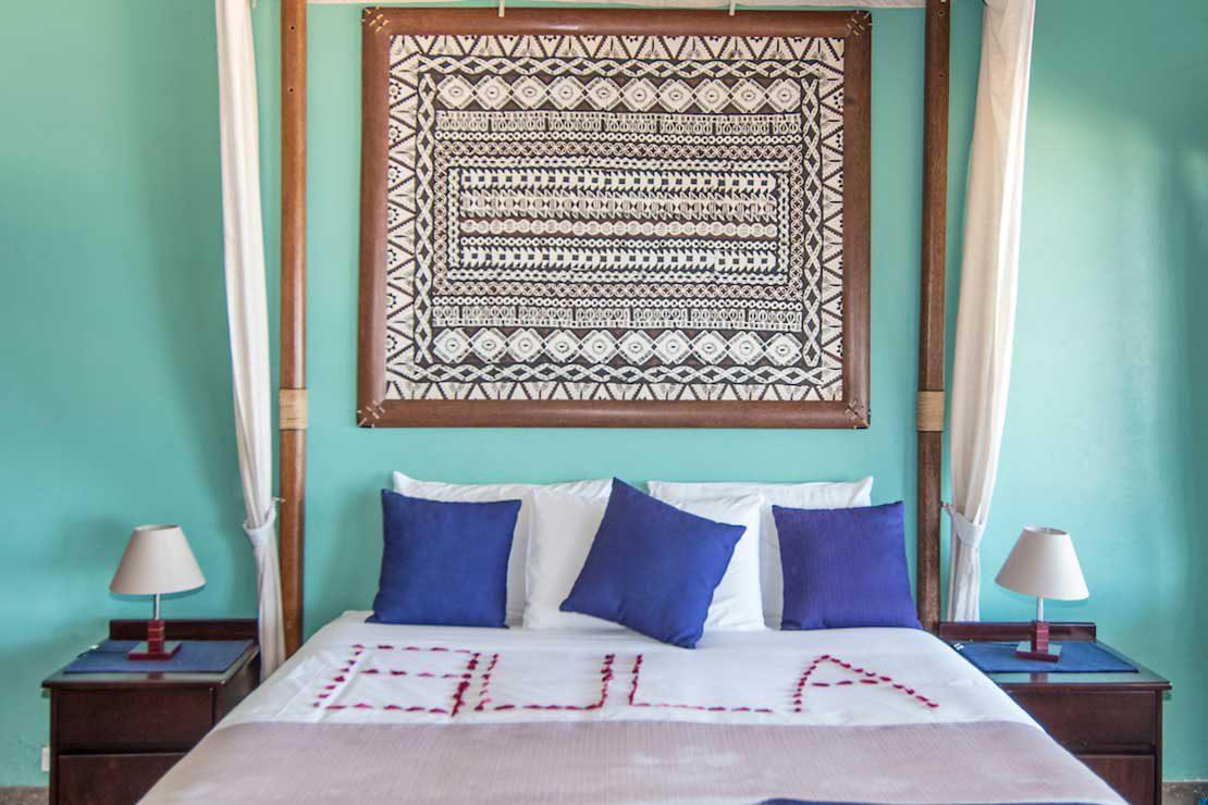 Villa-Namotu-Island-accommodation-bedroom