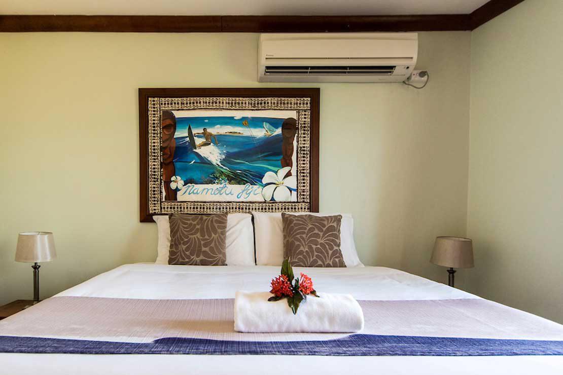 Villa-Pink-Room-Namotu-Island-accommodation