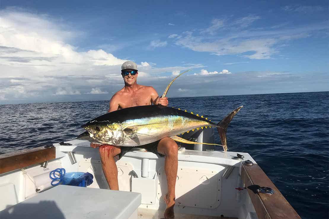 ben-wilson-with-huge-tuna-on-fishing-charter-boat-near-namotu-island-fiji