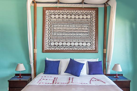 namotu-island-villa-suite-accommodation-bed