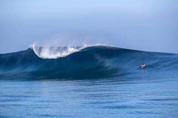surfer-at-namotu-lefts-surf-break-near-namotu-island-fiji-banner