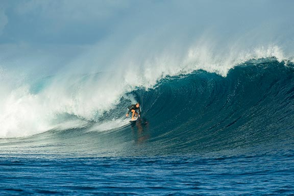 surfer-on-cloudbreak-surf-break-near-namotu-island-fiji