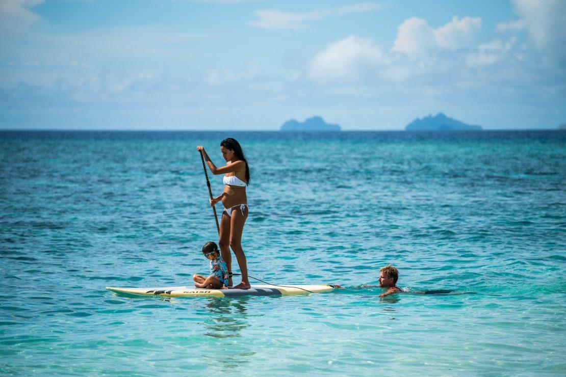 pregnant fiji namotu paddleboarding