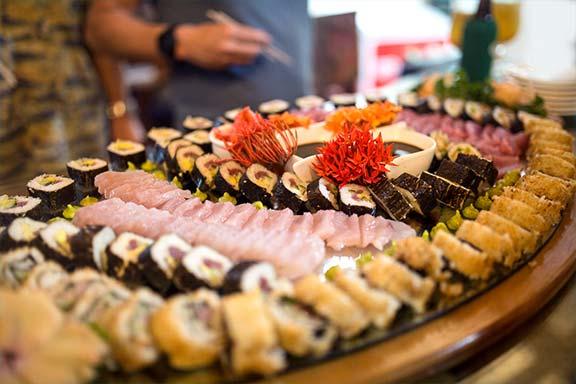 namotu-island-dining-delicious-sushi