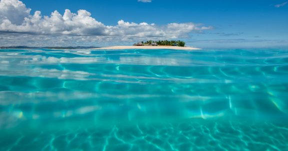 namotu surf resort fiji cloudbreak